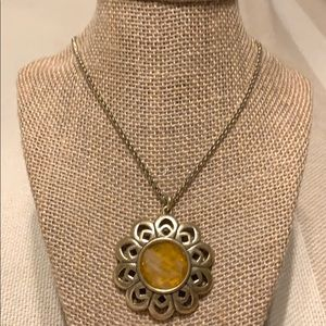 Lucky Brand gold tone amber center necklace